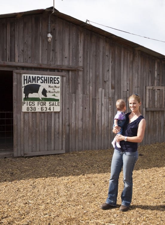 Lisa and Lilia at the farm in Windsor