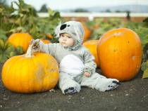 Lilia at the pumpkin patch