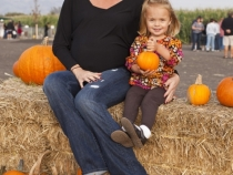 Jacque and Gianna at the pumpkin patch