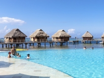 The pool at the Moorea Pearl Resort