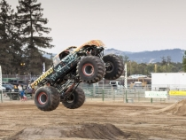 MonsterTrucks_0126