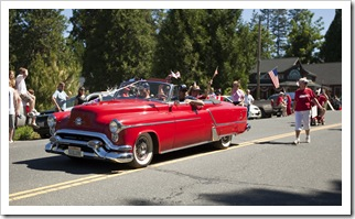 Arnold Independence Day parade